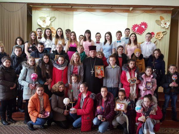 """Вихованці реабілітаційного центру """"Надія Отинії"""" відвідали Вище професійне училище №3"""