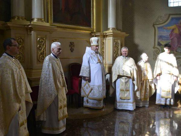 Архиєрейське богослужіння в неділю жінок-мироносиць