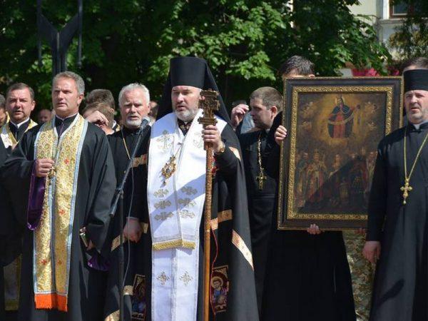 Владика Василій благословив військових після повернення з зони АТО