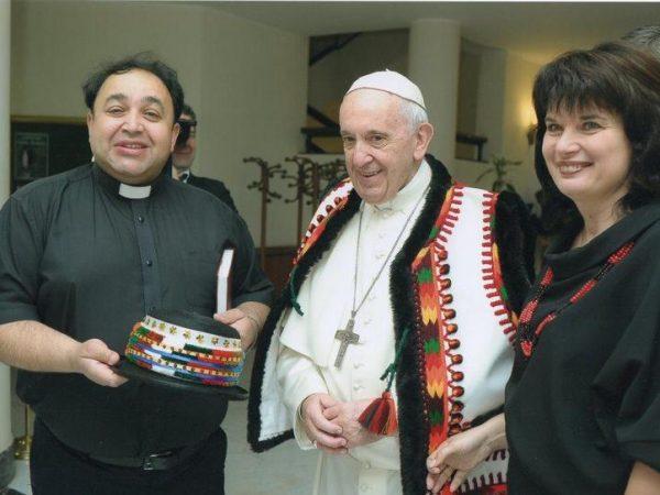 Папа Франциск привітав з 25-ти літнім подружнім ювілеєм священика УГКЦ та його дружину