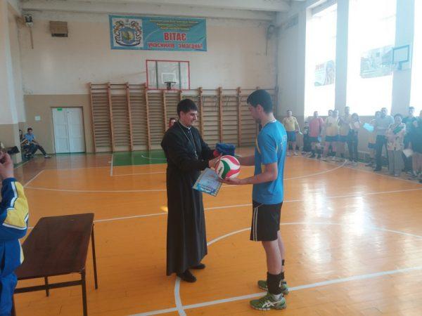У Коломиї провели християнський турнір із волейболу (відео)