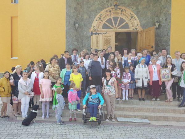 """Товариство молодих інвалідів та їх батьків """"Надія Отинії"""" святкує 5-ти літній ювілей"""