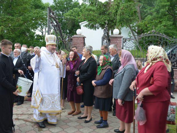Владика Василій звершив святкове богослужіння з нагоди 200-річчя храму в с. Чернелиця
