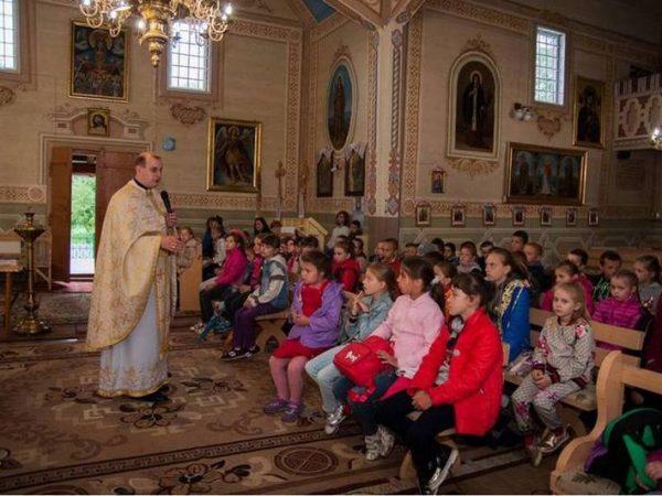 Дитячий табір на парафії Воскресіння Христового с.Воскресінці