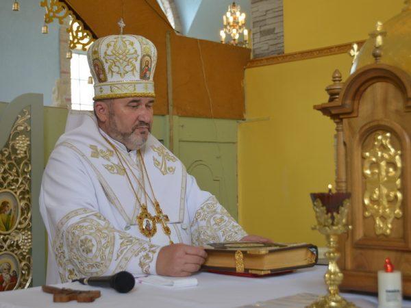 Вітаємо владику Василя Івасюка з 6 річницею інтрoнізації