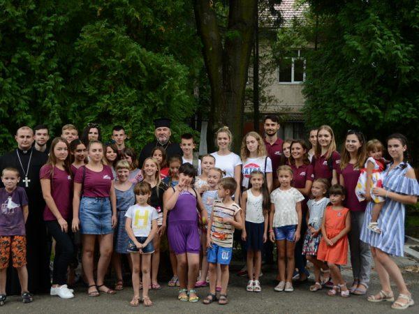 """""""В цих маленьких серцях наша надія тамайбутнє"""", – владика Василій на зустрічі з дітьми проекту """"КАР"""""""