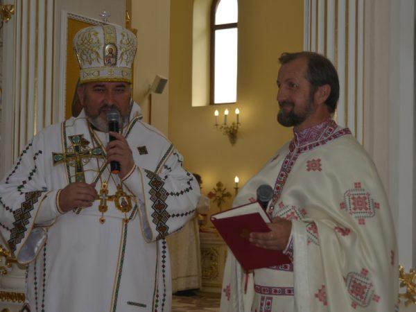 Преосвященний владика Василій освятив іконостас в храмі с.Гвізд