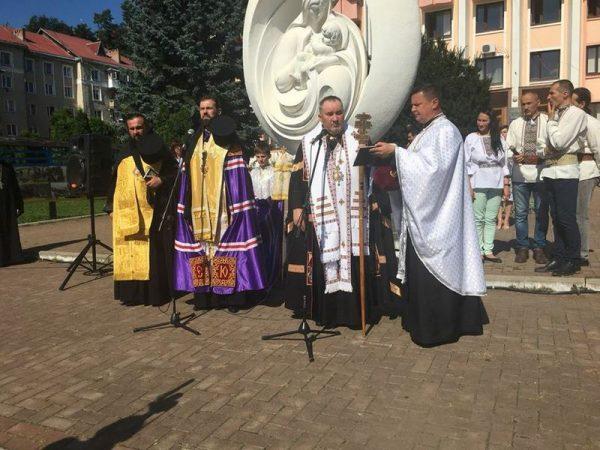 У Косові відбувся міжконфесійний молебень за Україну