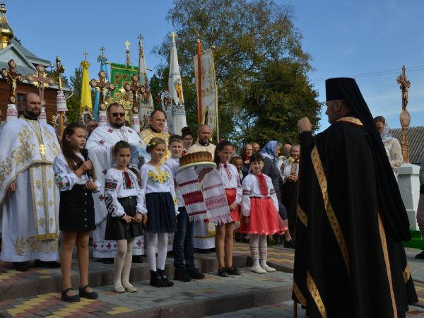 Єпископ Василій очолив освячення престолу та Архиєрейську Літургію на парафії с.Гвізд