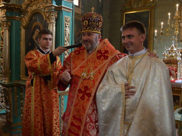 ВладикаВасилій (Івасюк) рукоположив нового священика