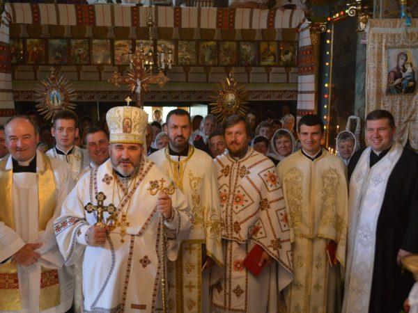 Пастирський візит владики Василія до парафії с.Ценява
