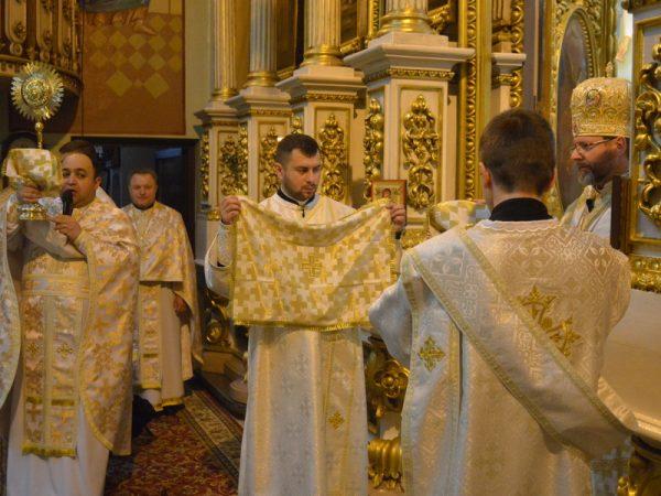 Глава УГКЦ освятив святилище Катедрального собору у м.Чернівці