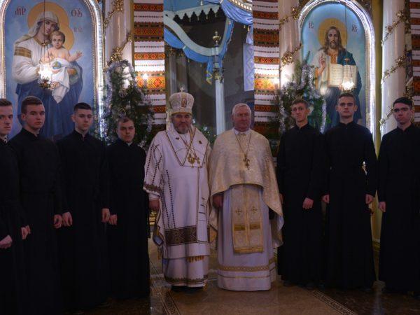Владика Василій освятив підрясники студентам дяківсько-катехитичного коледжу