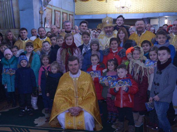 У неділю перед Різдвом Христовим кир Василій молився в церкві Благовіщення м.Коломия