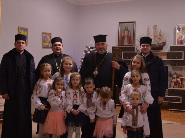 Напередодні Різдва владика Василій відвідав ув'язнених, безпритульних та дітей-сиріт