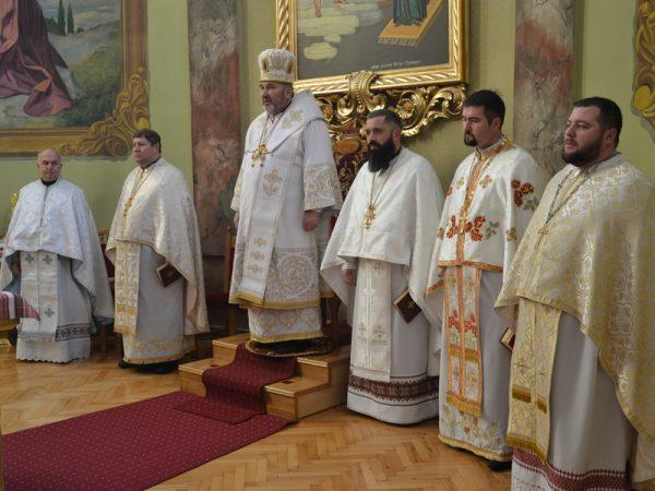 У другий день Різдва Христового владика Василь звершив богослужіння у Надвірній