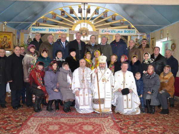 Владика Василій (Івасюк) очолив святкове богослужіння у храмі св. Василія Великого с.Котиківка