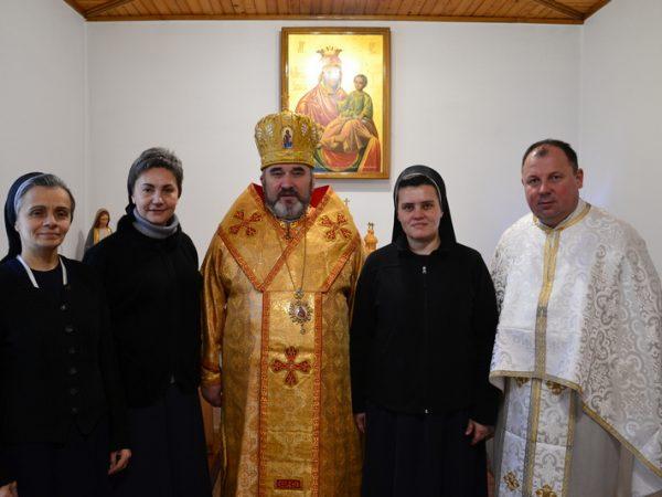 Архиєрейська Божественна Літургія у монастирі сестер Служебниць м.Коломиї