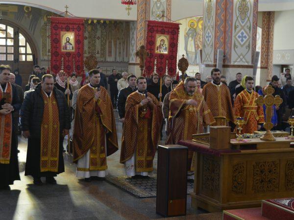 Архиєрейське богослужіння у Хрестопоклінну неділю