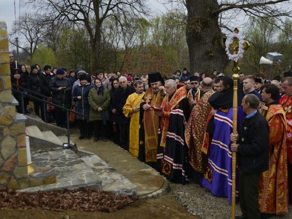 Молитовні чування та посвячення Хресної дороги в Товмачику (відео)