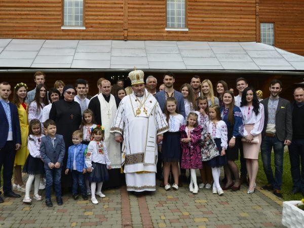 Архиєрейська Божественна Літургія у Світлий понеділок