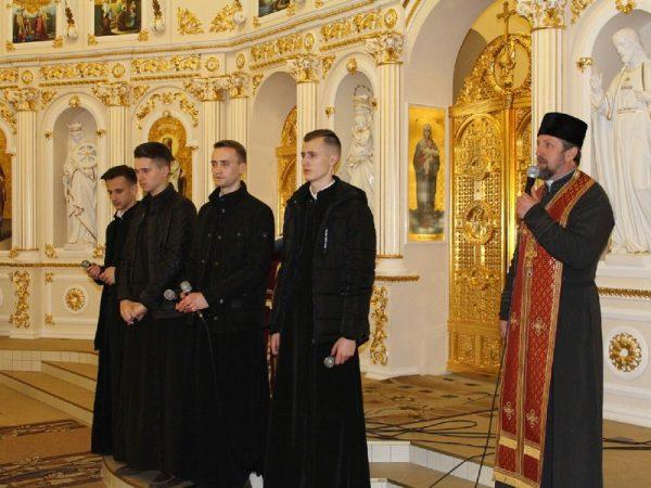Семінаристи провели Хресну Дорогу в с. Гвізд