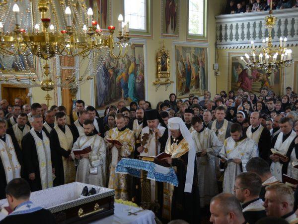 Священичий парастас за о. Іваном Качанюком
