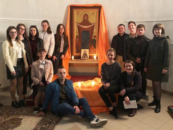 Молодь єпархії провела молитву в дусі Тезе