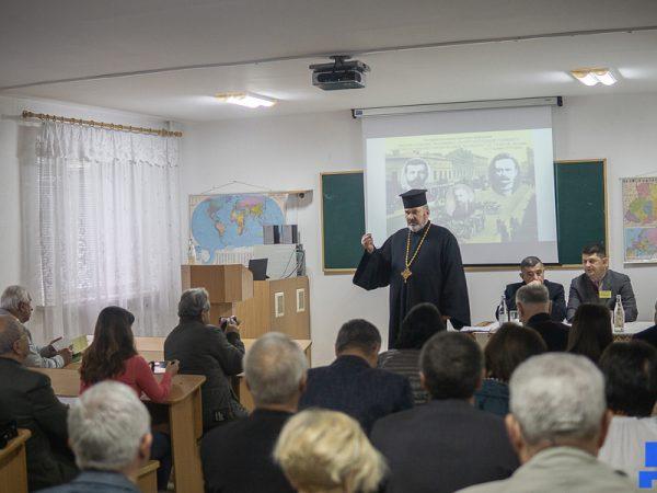 Науково-практична конференція у Коломиї зібрала більше 100 науковців України