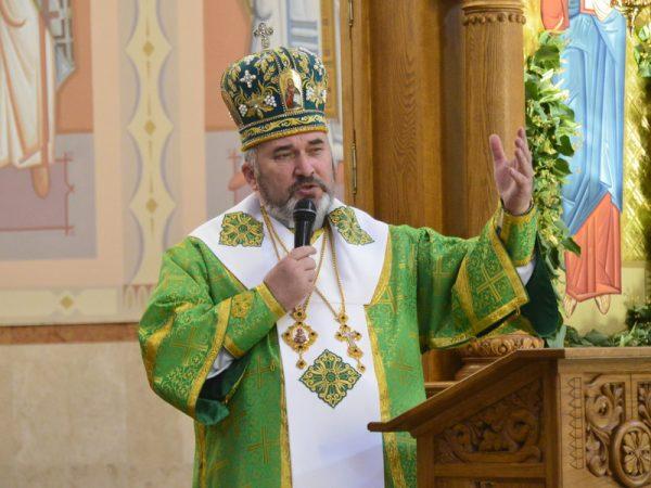 На свято Зіслання Святого Духа владика Василій молився в Коломиї