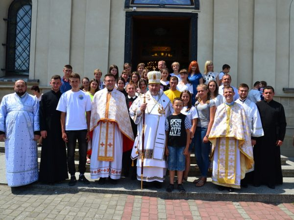 Піша проща вірних Коломийської єпархії до Гошева