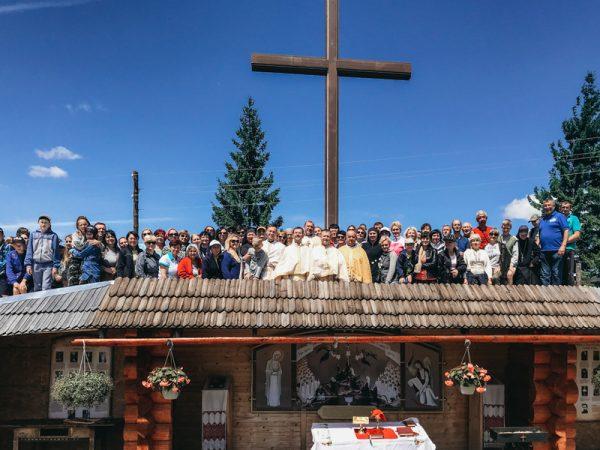 """На """"Горі мучеників"""" у Микуличині зібралися численні паломники"""