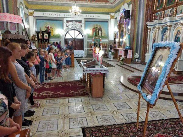 Парафіяни Гостова молились перед Коломийською іконою Пресвятої Богородиці