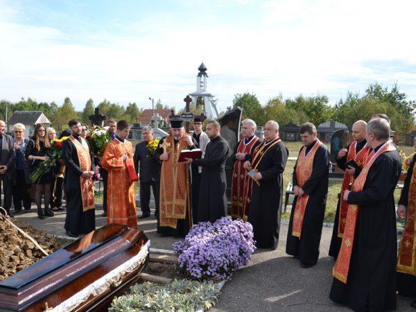 У Франківську попрощалися зі священником і професором Іваном Козовиком