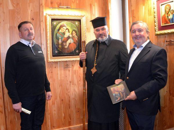 Владика Василій Івасюк освятив іконну галерею у готелі м. Яремче
