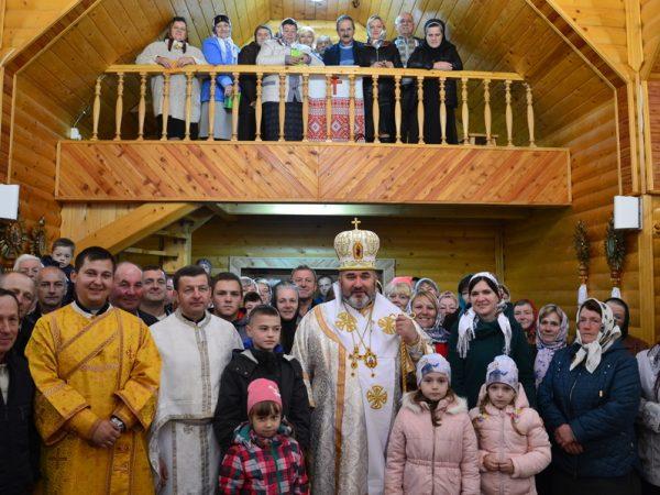 Архиєрейська Божественна Літургія на парафії с. Багрівець