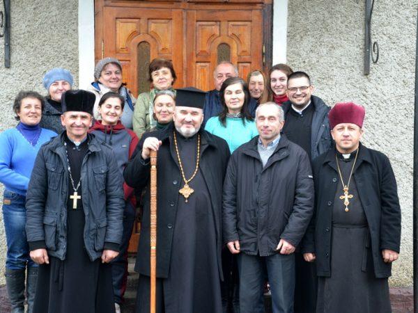 Владика Василій Івасюк провів візитацію шкіл Березова