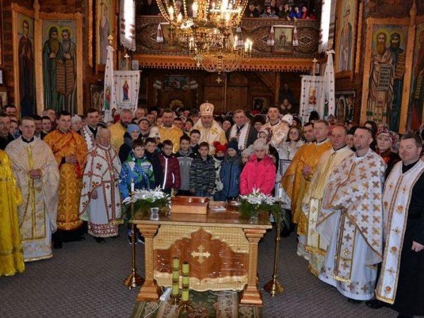 Єпископ привітав о. Василя Михайлюка з 20-річчям священства