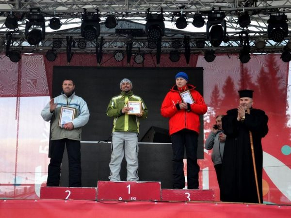 У Буковелі провели лижні змагання серед духовенства