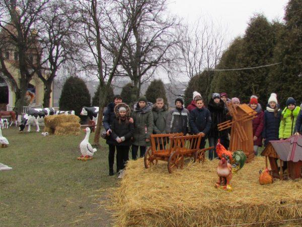 Учні Лоївської ЗОШ I-IIIст. відвідали Зарваницю