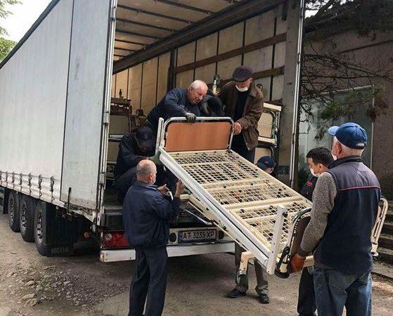 Коломийська ЦРЛ отримала механічні ліжка від української греко-католицької громади Німеччини