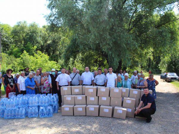 Духовенство Коломийської єпархії передало допомогу постраждалим від повені на Тлумаччині