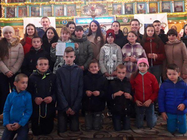 Діти з парафії с.Лоєва долучилися до всесвітньої молитви на вервиці