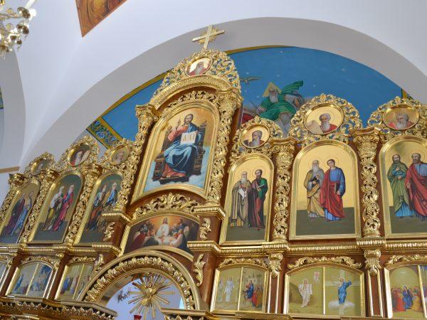 Владика Василій завітав до с. Чорні Ослави, де освятив новий іконостас та уділив ієрейські свячення
