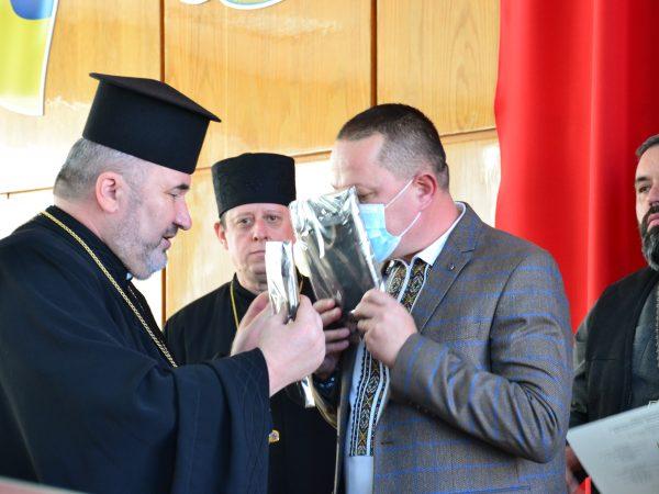 Владика Василій Івасюк уділив своє архиєрейське благословення новообраній владі Надвірнянської ОТГ
