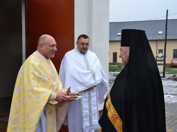Владика Василій очолив Божественну Літургію у храмі святого апостола Андрія Первозванного
