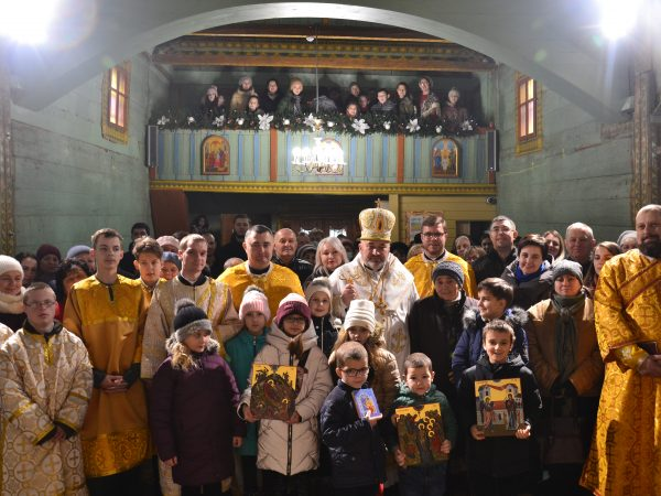 Владика Василій Івасюк очолив подячну Божественну Літургію в храмі Благовіщення Пречистої Діви Марії