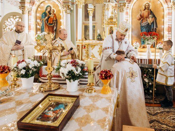 Голову комісії у справах молоді о. Андрія Квіка нагородили золотим нагрудним хрестом