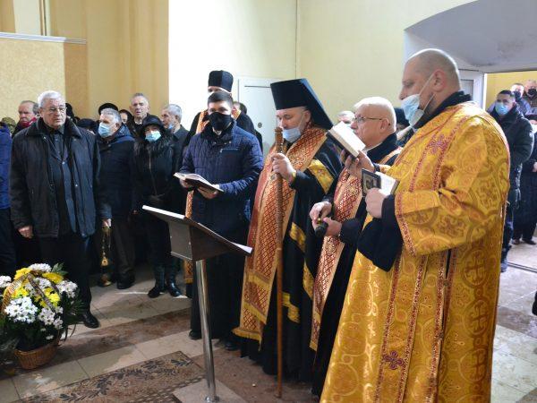 Божественна Літургія у храмі святого Йосафата та чин похорону за п. Романом Хімеєм