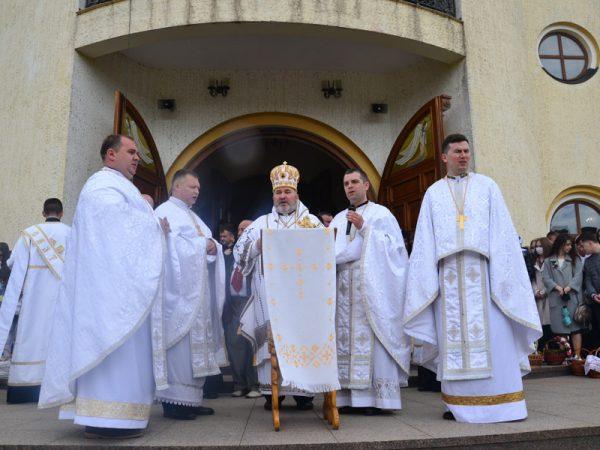 Пасхальні Богослужіння в Катедральному соборі міста Коломиї